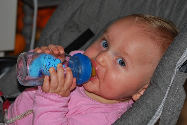 baby drinking time